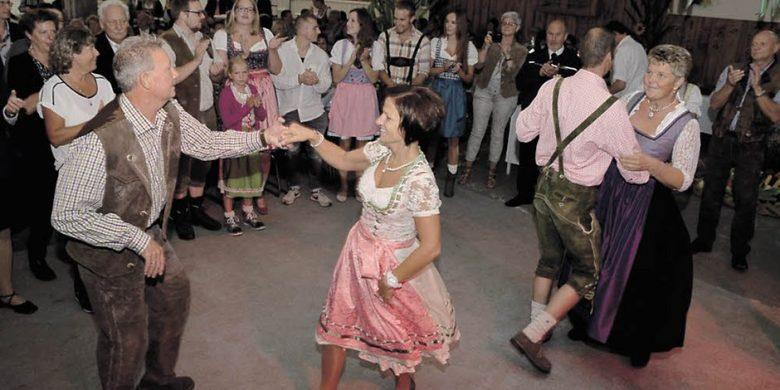 71-121110795-null-20-08-2017-16-12-46-863 (Markelsbach eröffnet Erntefest-Saison)