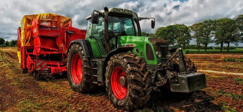 tractor-385681_1280 (Landwirtschaft – ein aktueller Beitrag)