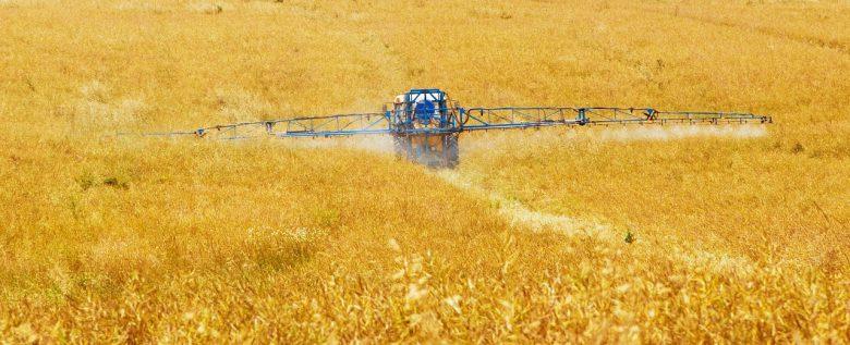 agriculture-89168_1280 (Fragliche Zulassung in einer sensiblen Zeit)