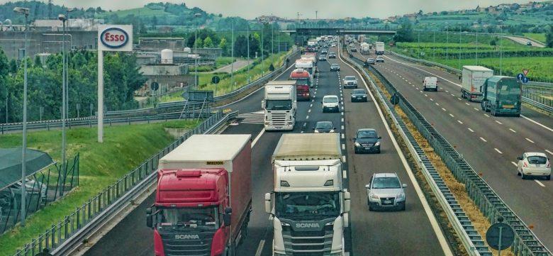 highway-3392100_1280 (Hoch gepokert: EU stoppt CSU-Mautpläne)