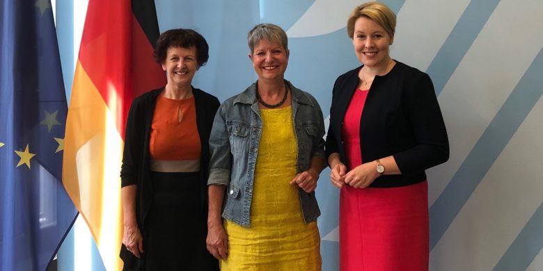 august-2019-mit-ministerin-giffey-in-berlin-2 (Parteiübergreifendes Gespräch mit Ministerin)