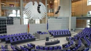 bundestag (Umweltministerium: wurden millionenschwere Beraterverträge verschleiert?)