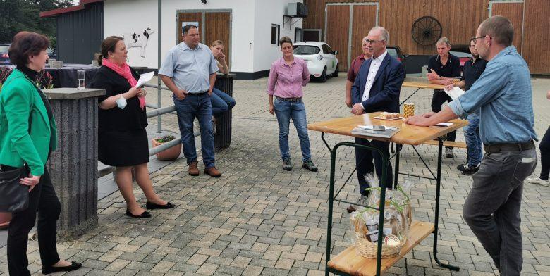img_20200617_153835-1 (Umwelt- und Landwirtschaftsministerin NRW zu Gast in Much)