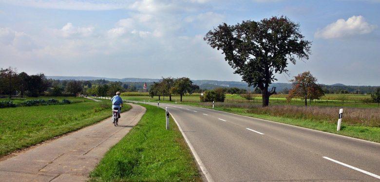 cycle-path-1728374_1280 (Mobilitäts- und Wegeplanung wichtig wie nie)