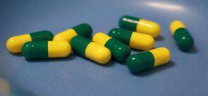 drugs-5521395_1280 (Wirksamkeit von Antibiotika baut stark ab)